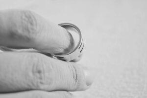 адвокат по разводам москва